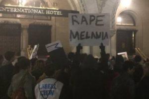 """Violen a Melania"""