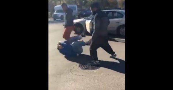 Ataque de racistas negros