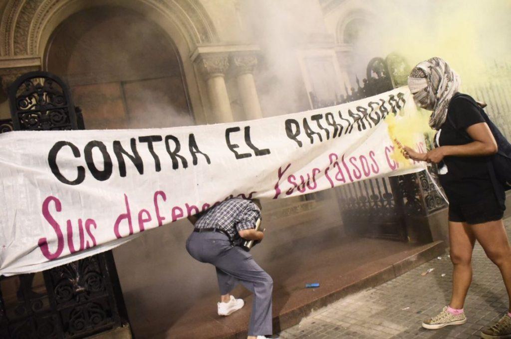 Ataque feminista a la Catedral de Montevideo
